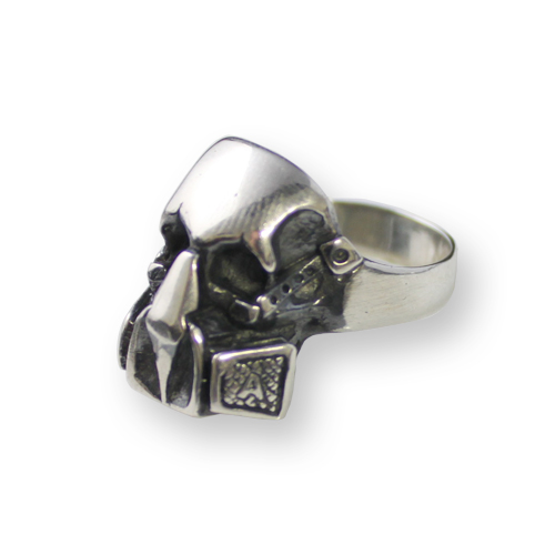 anello con teschio stile star wars
